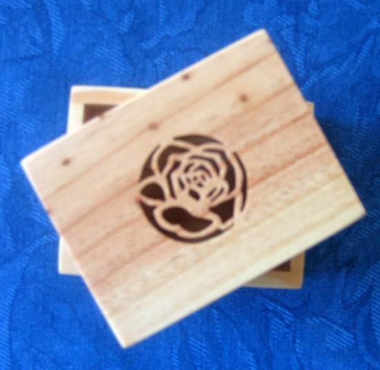 Boite motif rose